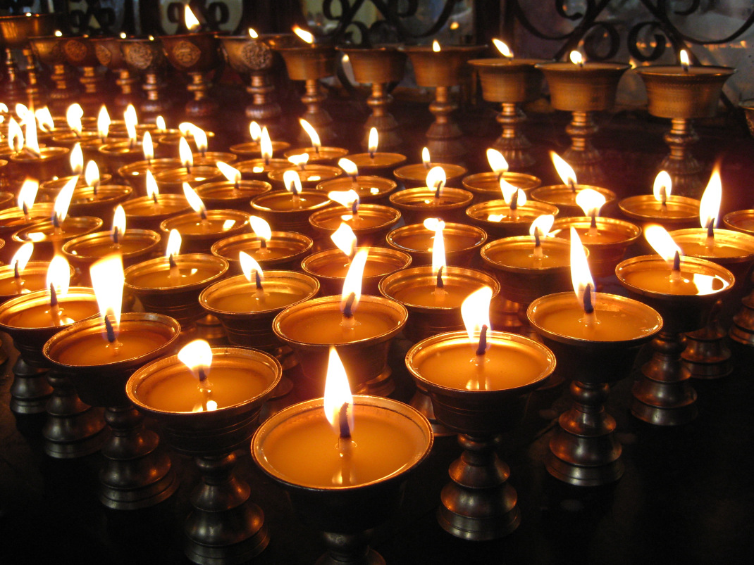 losar candle